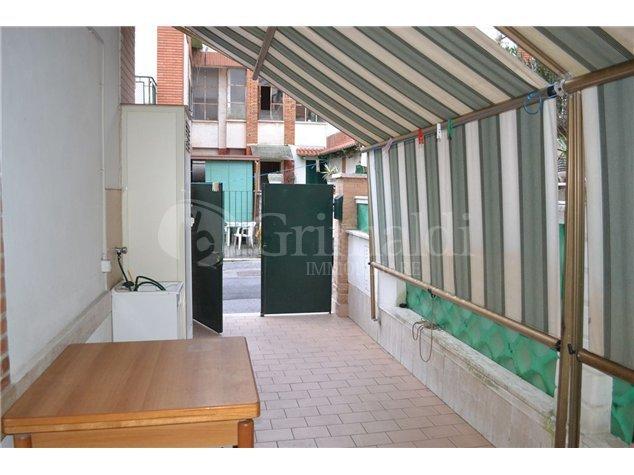 Bilocale in buone condizioni arredato in vendita Rif. 11605433