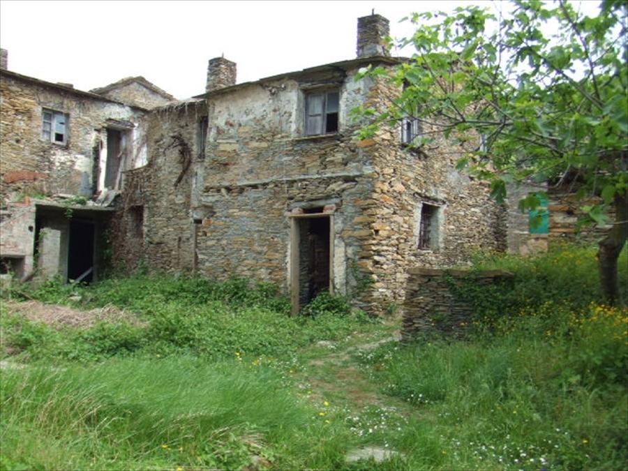 Casa Indipendente in discrete condizioni in vendita Rif. 4166607