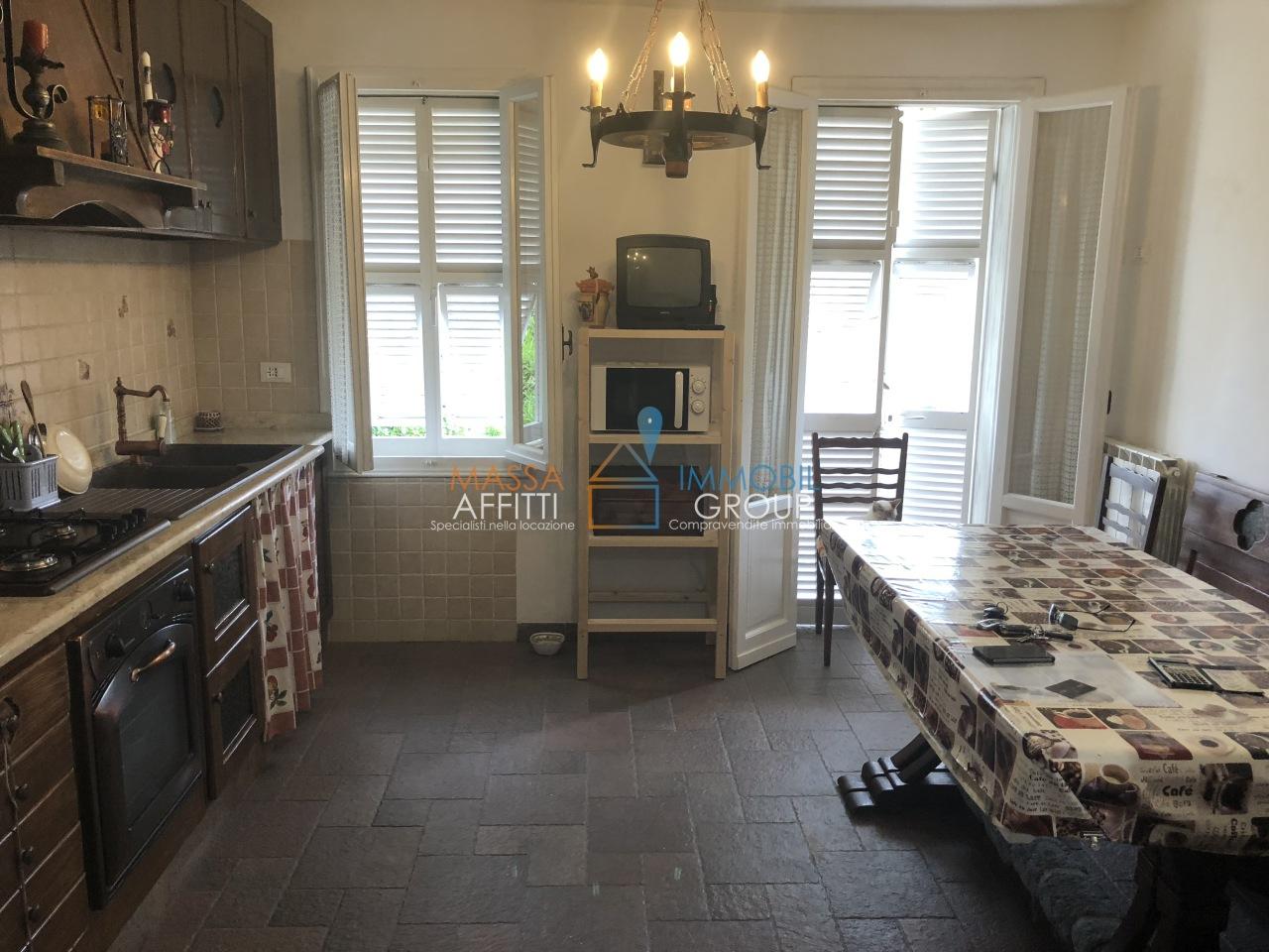 Porzione di casa in buone condizioni in vendita Rif. 6930714