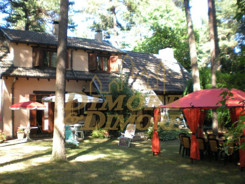 Villa in Vendita a Casale Litta