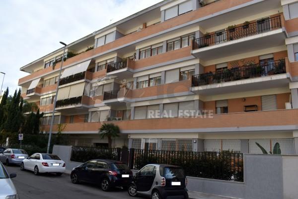LUMINOSO IN OTTIMO CONTESTO, Zona Partigiani Lecce