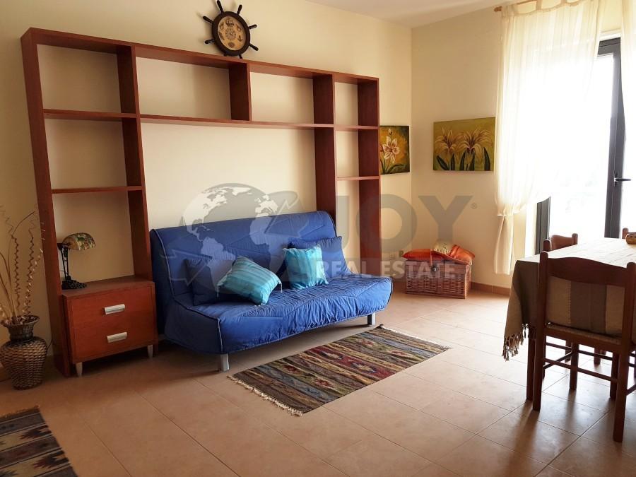 Appartamento in buone condizioni arredato in vendita Rif. 9707407