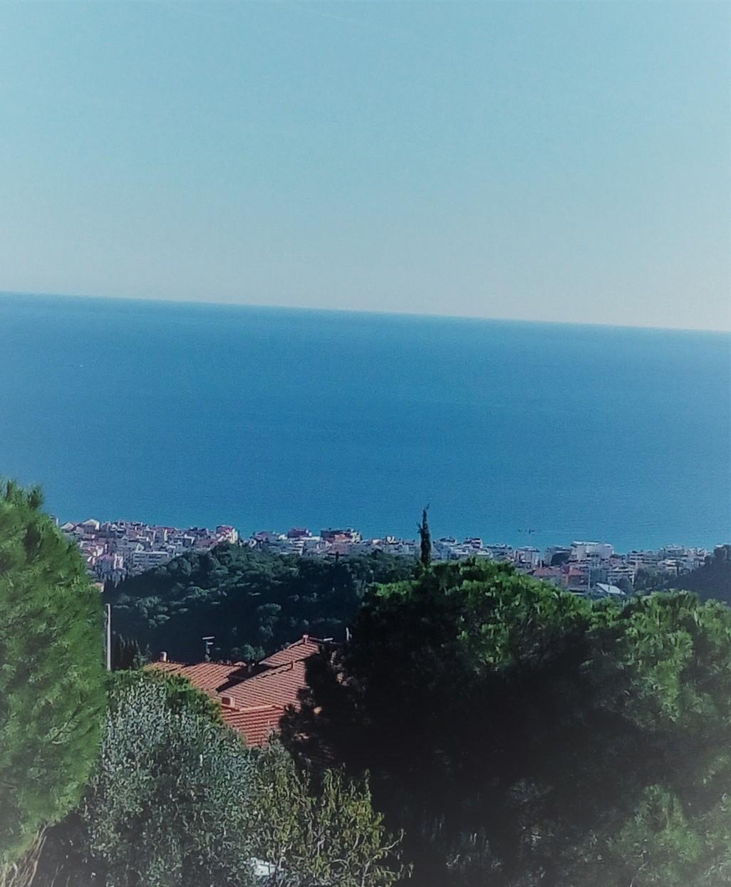 Casa indipendente con vista mare