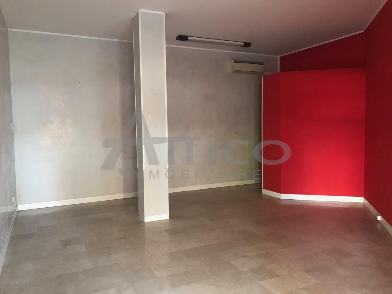 Locale commerciale - 1 Vetrina a Commenda Est, Rovigo Rif. 4169469