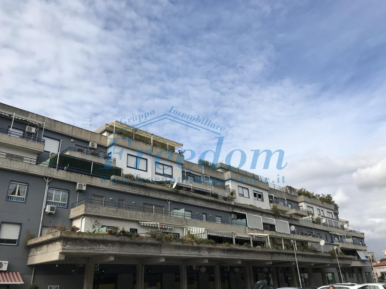 Appartamento in ottime condizioni in vendita Rif. 9525966