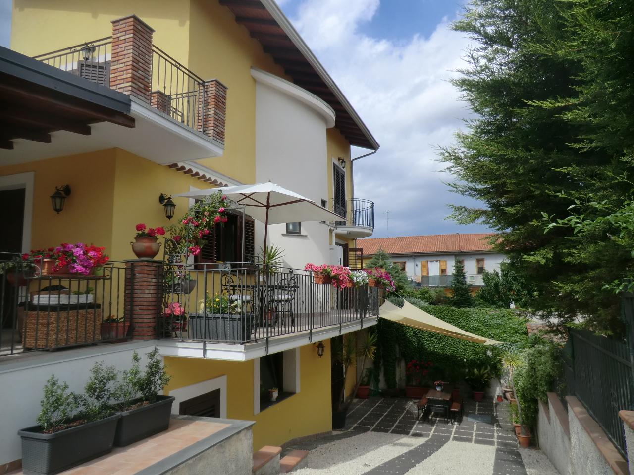 Villa in ottime condizioni in vendita Rif. 8407337