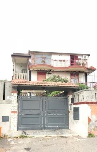 Appartamento in buone condizioni in vendita Rif. 6458721