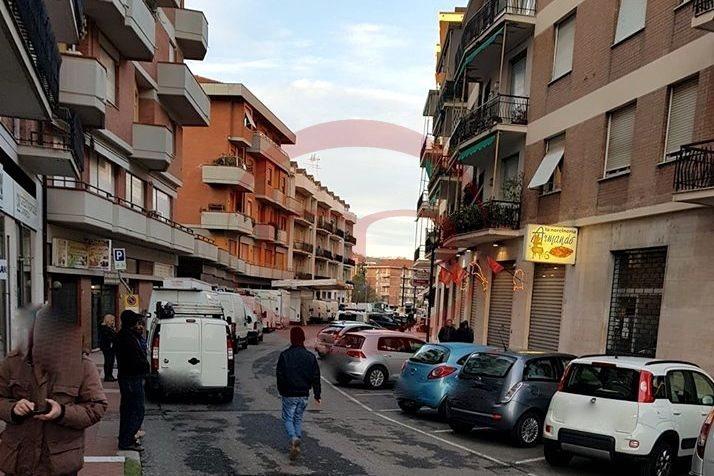 Negozio / Locale in vendita a Sarzana, 1 locali, prezzo € 110.000   CambioCasa.it