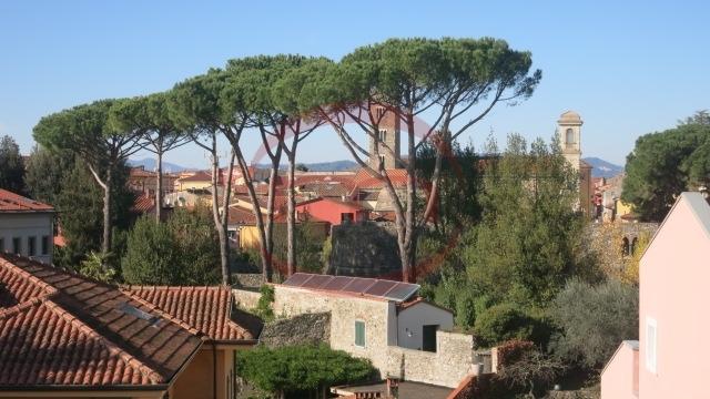 Attico / Mansarda in vendita a Sarzana, 5 locali, prezzo € 220.000 | PortaleAgenzieImmobiliari.it