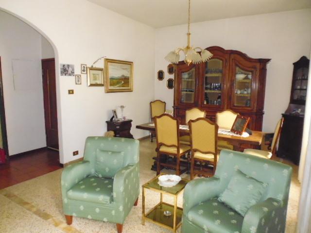 Appartamento in buone condizioni in vendita Rif. 11245598