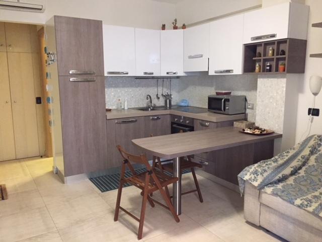 Monolocale in ottime condizioni arredato in affitto Rif. 7856246