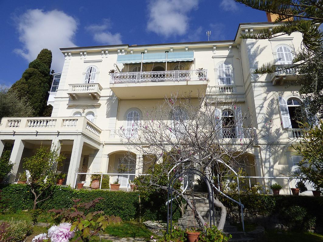 Villa in buone condizioni in vendita Rif. 9863683