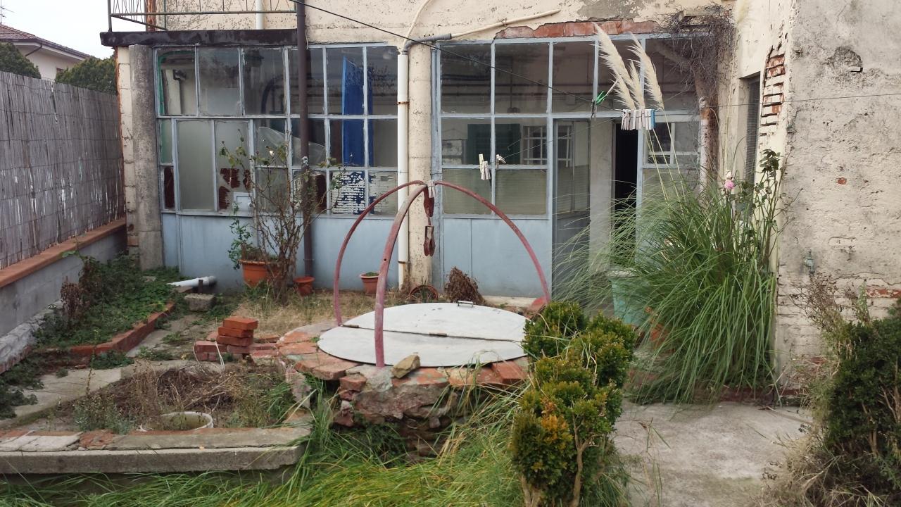 Rustico / Casale in vendita a Monsummano Terme, 9 locali, prezzo € 85.000 | CambioCasa.it