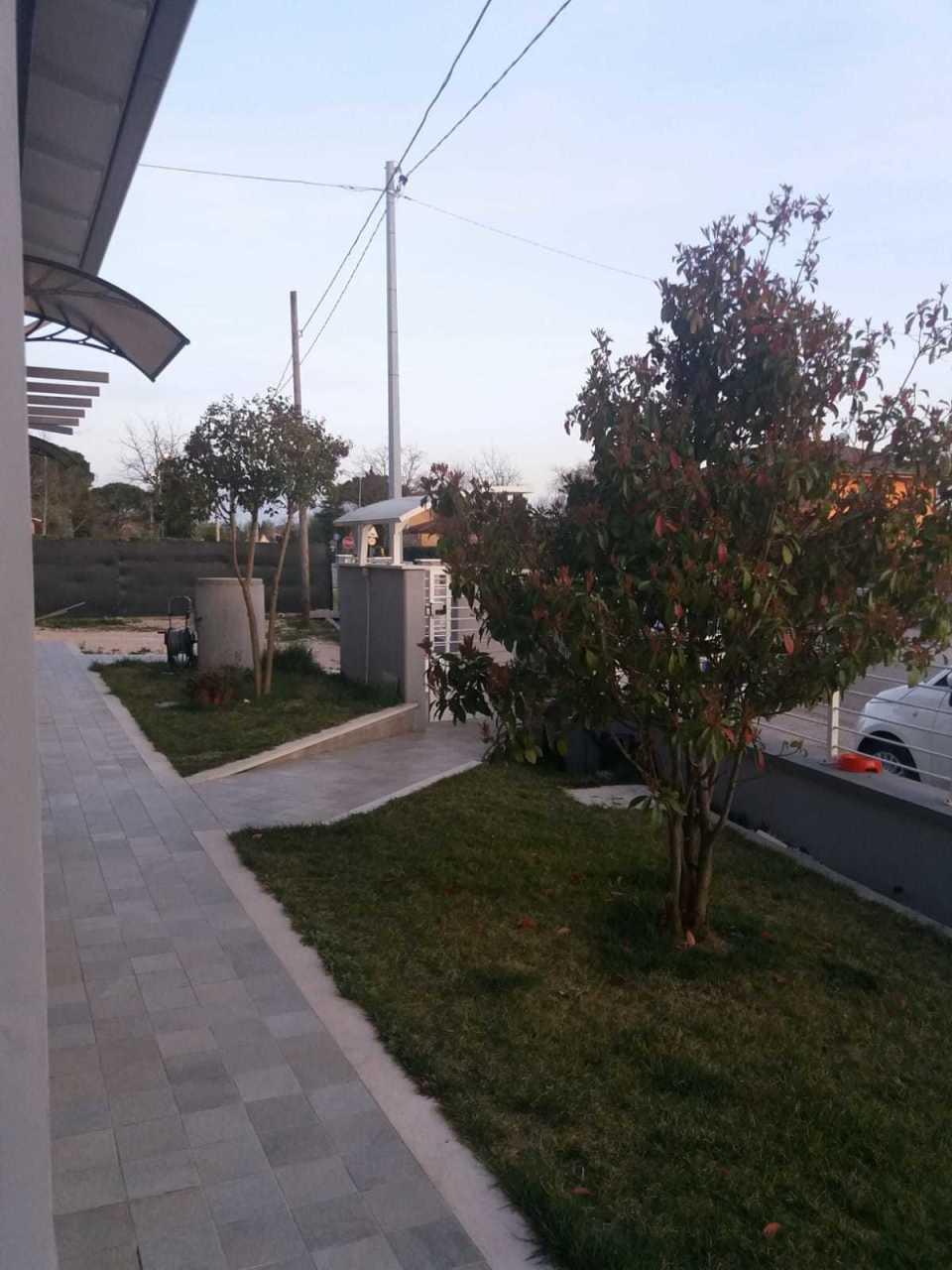 Villa in ottime condizioni in vendita Rif. 9829648