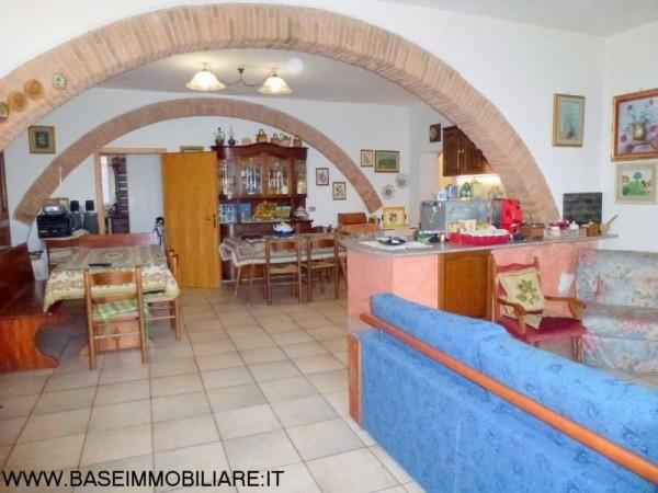 Appartamento in buone condizioni in vendita Rif. 9374122
