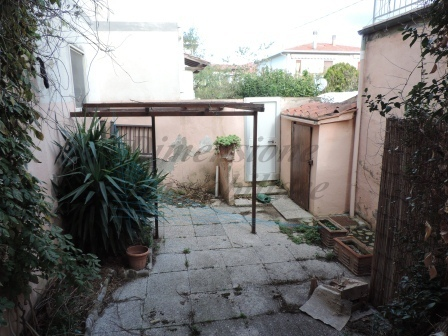 Appartamento in buone condizioni in vendita Rif. 9863612