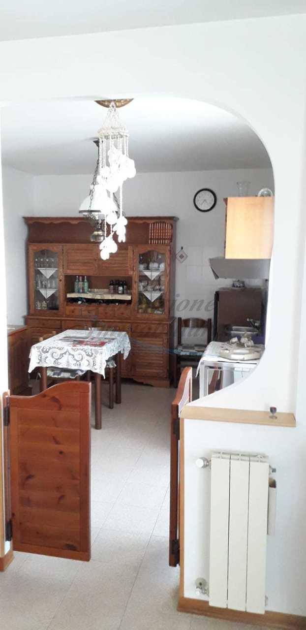 Villetta a schiera in buone condizioni in vendita Rif. 9958017