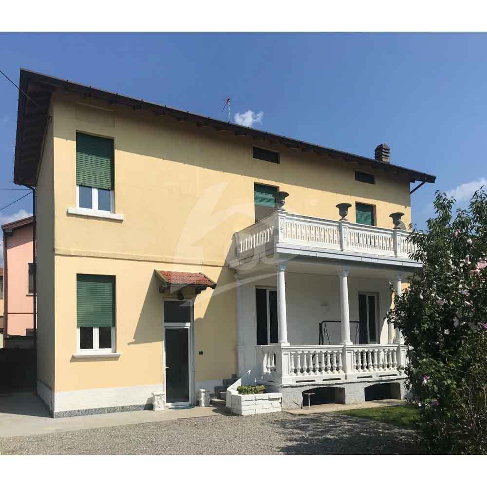 Soluzione Indipendente in affitto a Brebbia, 8 locali, prezzo € 850   PortaleAgenzieImmobiliari.it