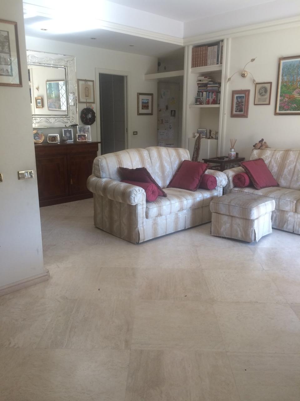 Quadrilocale in buone condizioni in vendita Rif. 10244971