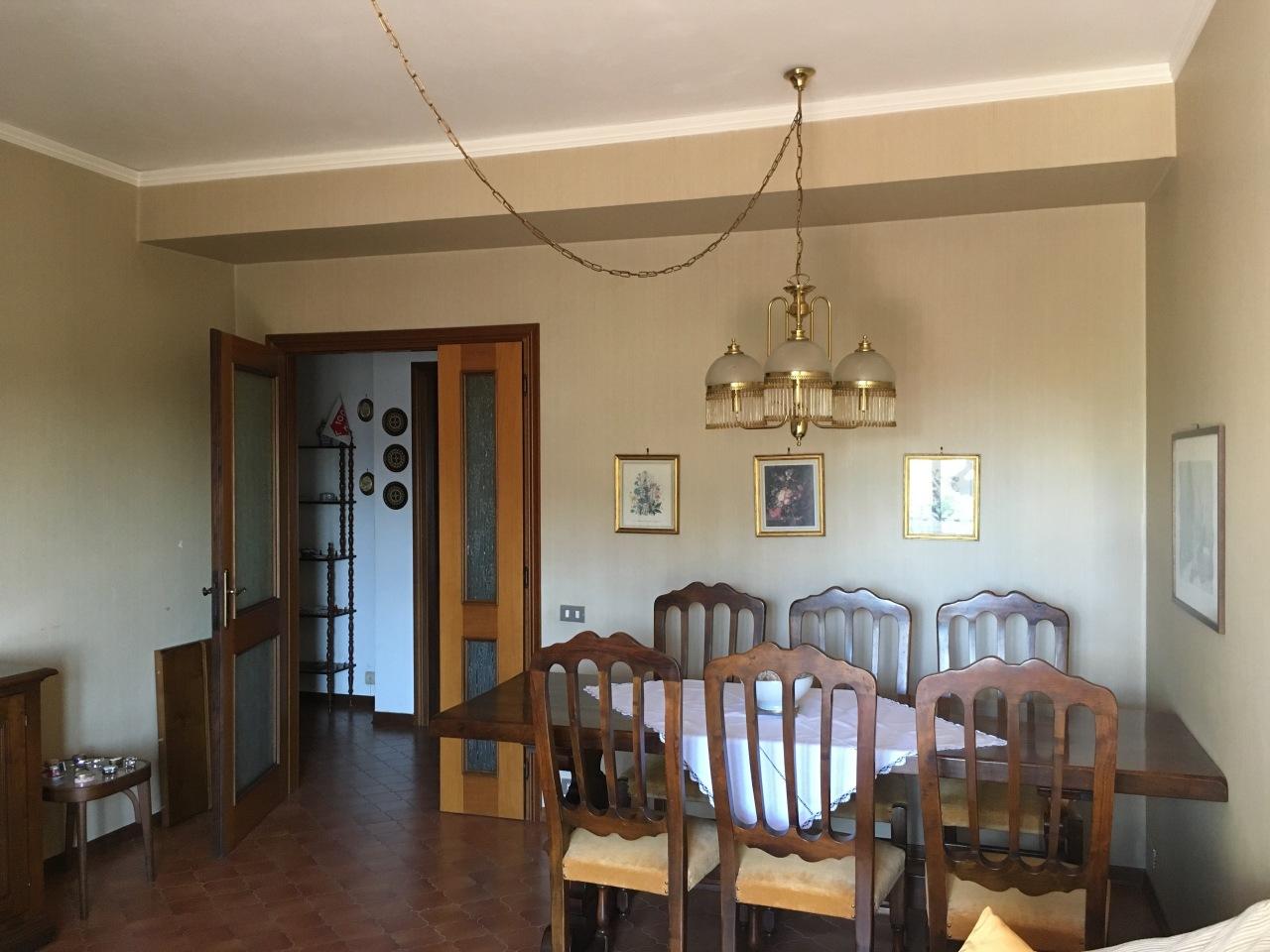 Appartamento in buone condizioni in vendita Rif. 11034177