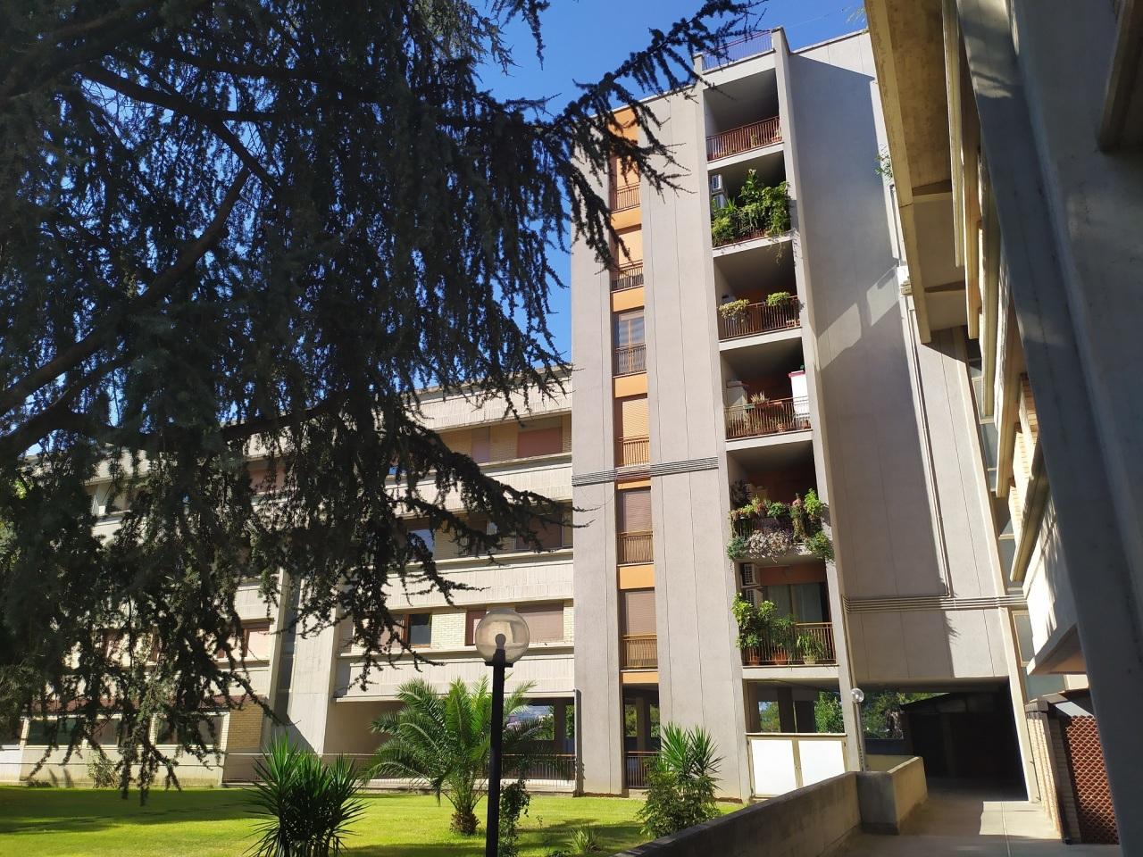 Appartamento in vendita a Chieti, 6 locali, prezzo € 135.000 | PortaleAgenzieImmobiliari.it