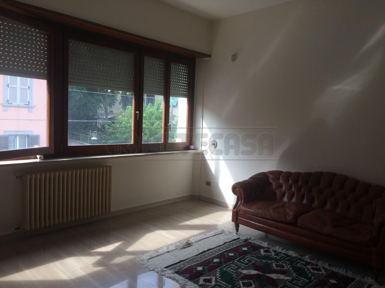 Bilocale in buone condizioni in affitto Rif. 8463233