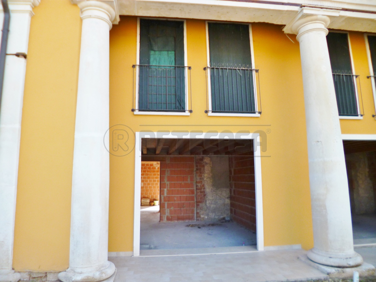 Villa a Schiera in vendita a Sarego, 6 locali, prezzo € 145.000 | CambioCasa.it