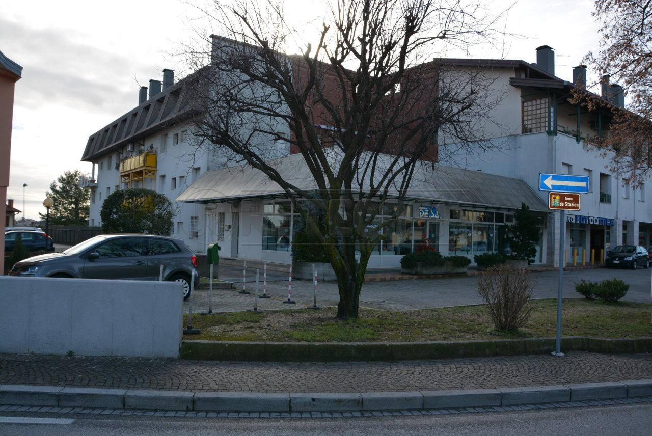 Direzionale - Ufficio a Centro, Manzano