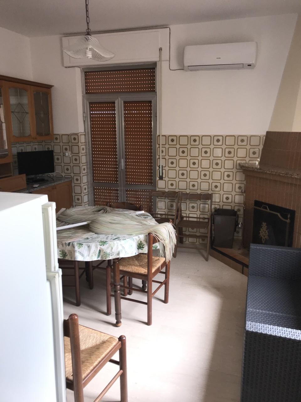 Appartamento in affitto a Cropani, 3 locali, prezzo € 350 | CambioCasa.it
