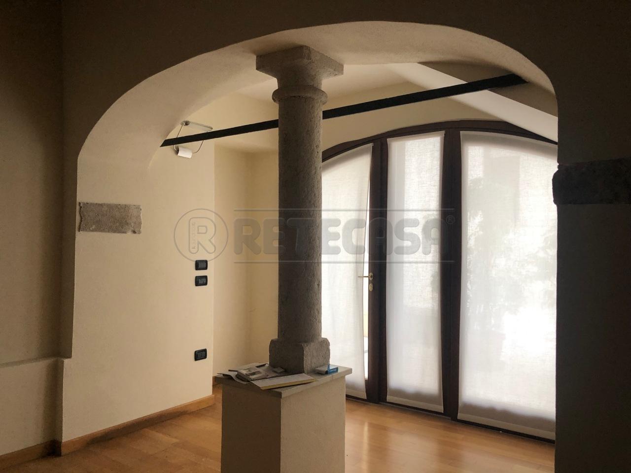 Ufficio / Studio in affitto a Bassano del Grappa, 10 locali, prezzo € 2.000 | CambioCasa.it