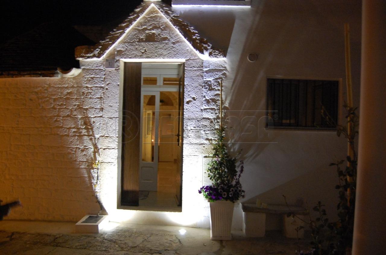 Soluzione Indipendente in vendita a Alberobello, 5 locali, prezzo € 180.000   CambioCasa.it