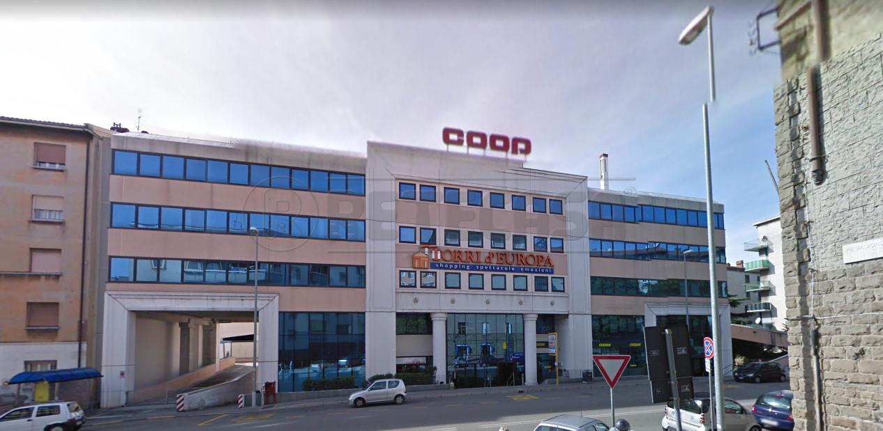 Commerciale - Negozi e Uffici a Trieste