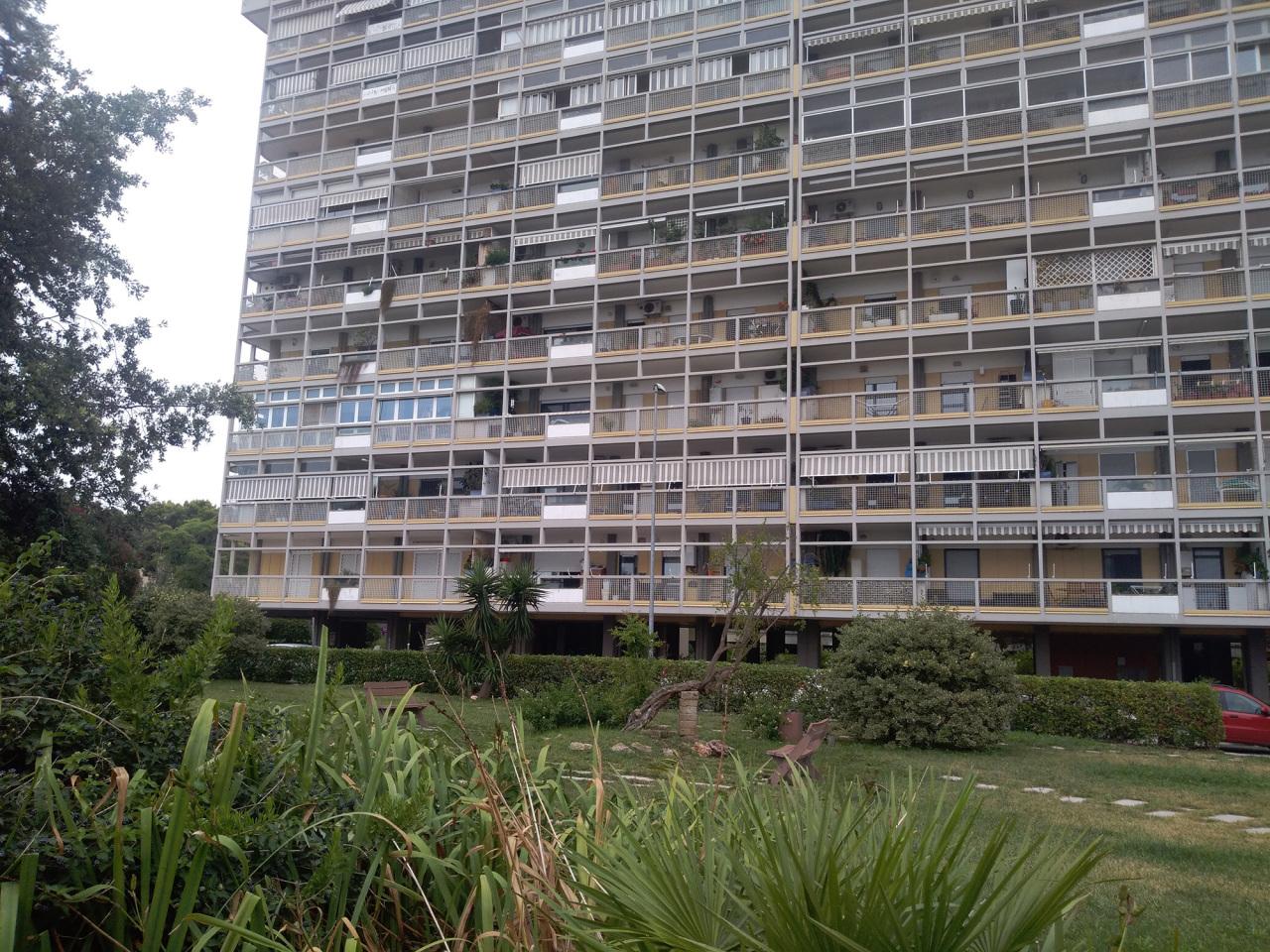 Appartamento in buone condizioni in vendita Rif. 10748911