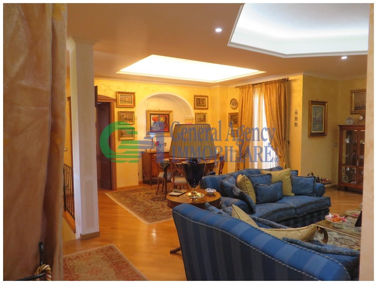 Villa in ottime condizioni in vendita Rif. 10262936