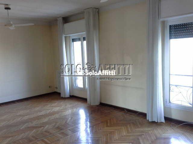 Pentalocale in ottime condizioni in affitto Rif. 9588824