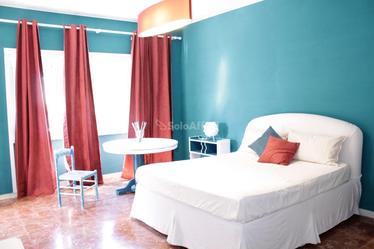 Stanza / posto letto in ottime condizioni arredato in affitto Rif. 9767344