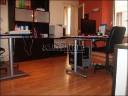 Ufficio in Affitto a Modena, zona Centro Storico, 700€, 110 m²