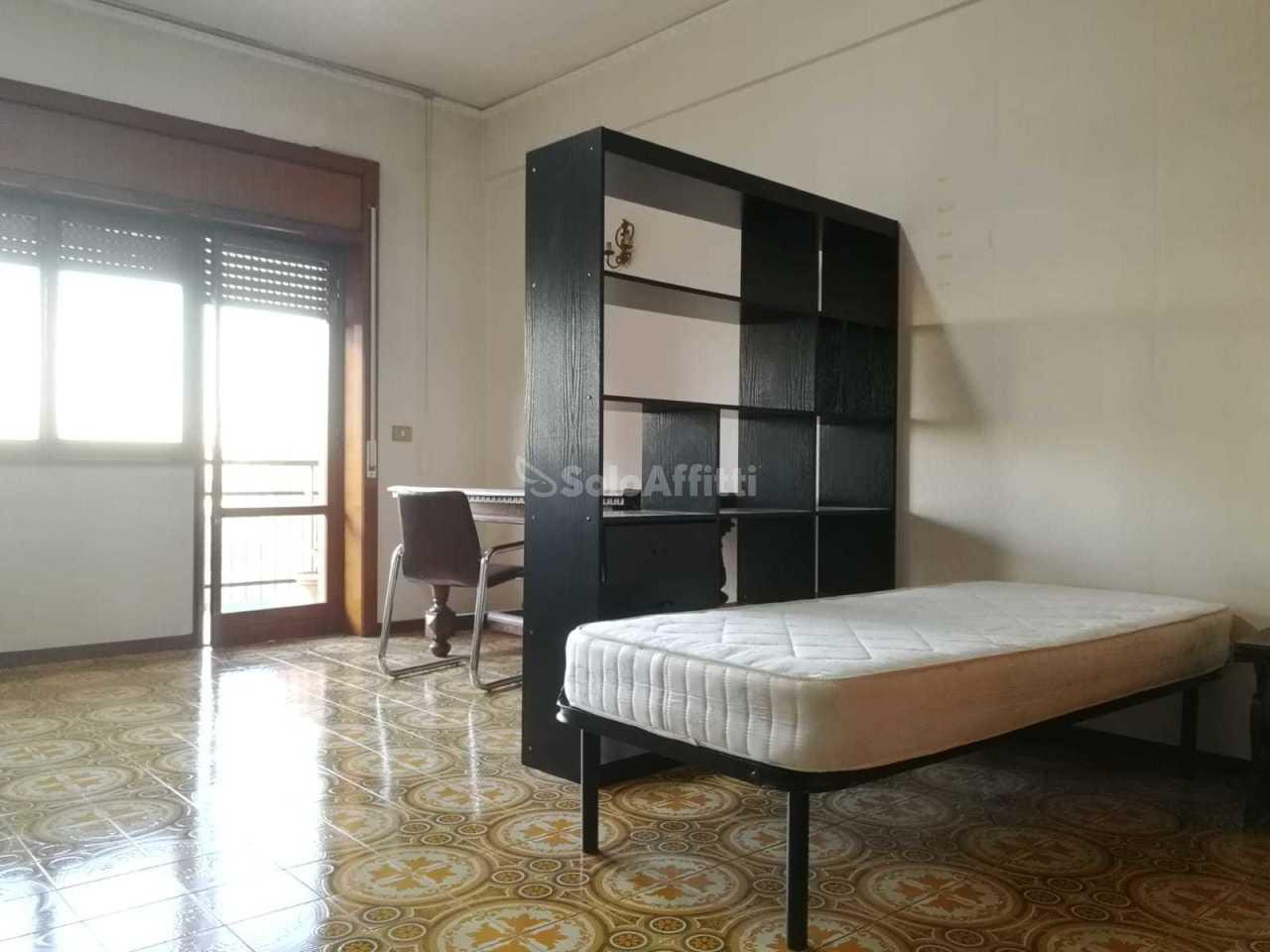 Stanza / posto letto in buone condizioni arredato in affitto Rif. 8908398