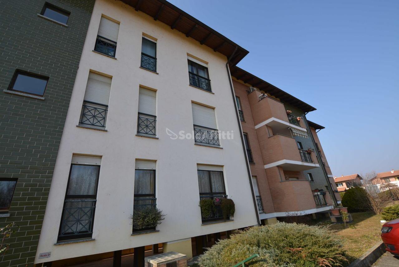 Bilocale in buone condizioni in affitto Rif. 9894879