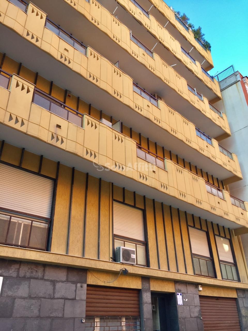 Quadrilocale in buone condizioni in affitto Rif. 7981136