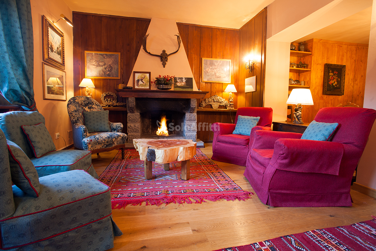COURMAYEUR PUSSEY CHALET 5 CAMERE AFFITTO STAGIONA