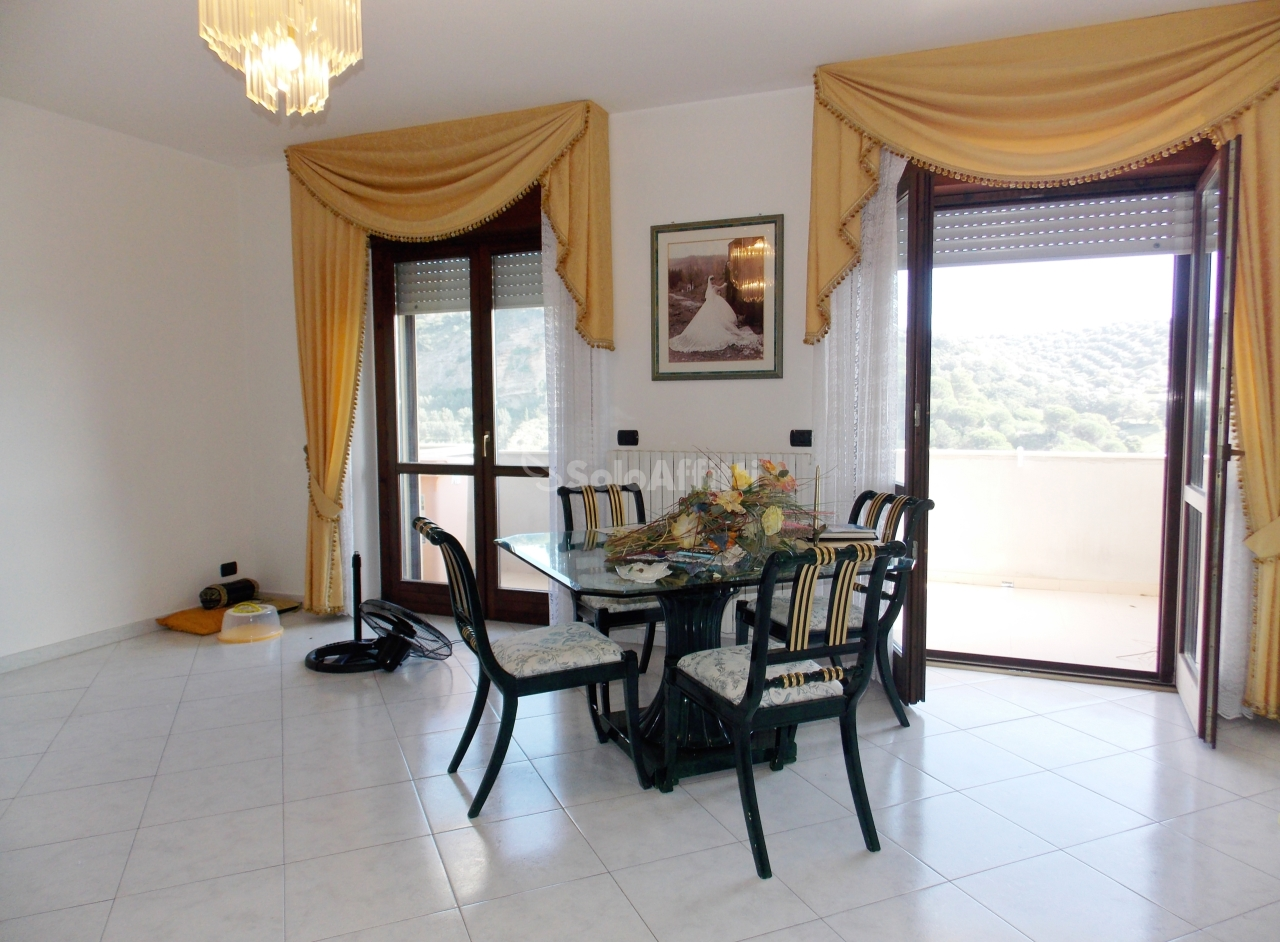 Quadrilocale ristrutturato in affitto Rif. 8395946