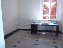 Ufficio in Affitto a Modena, zona Centro Storico, 1'300€, 180 m²
