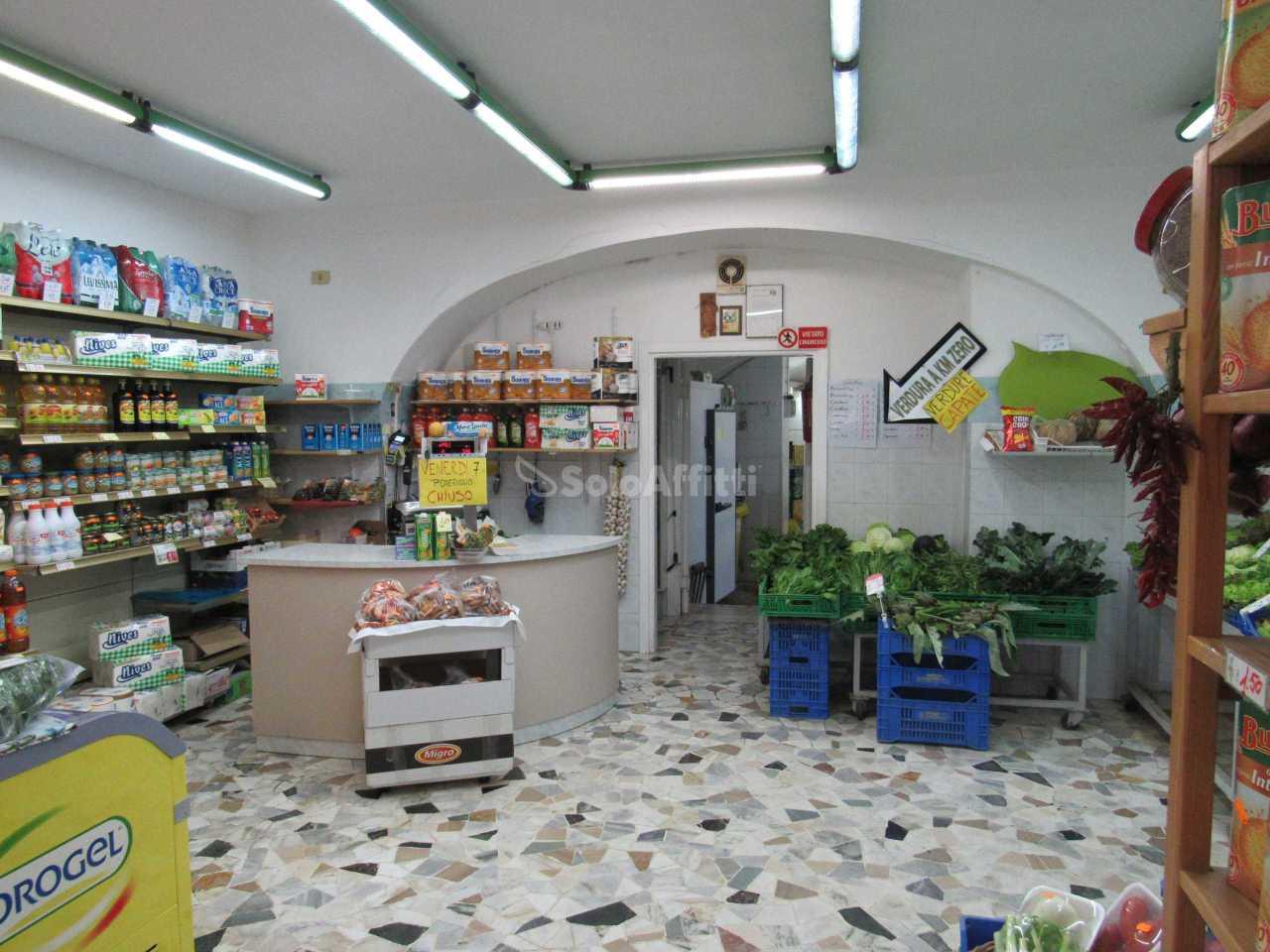 Fondo/negozio - 1 vetrina/luce a Monte Compatri Rif. 10339315