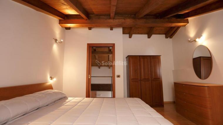 Appartamento ristrutturato arredato in affitto Rif. 9253907