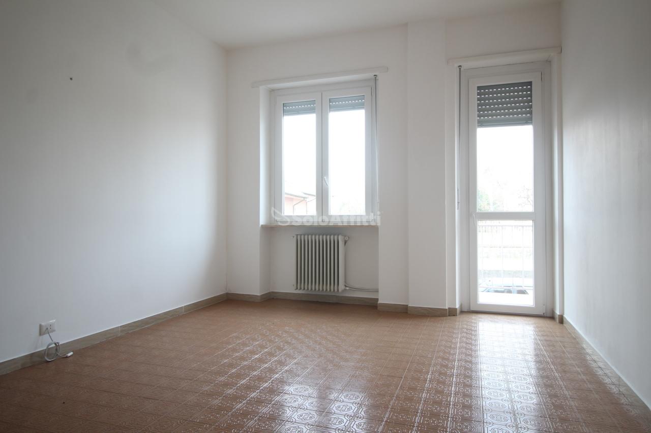 Trilocale in buone condizioni in affitto Rif. 9697240
