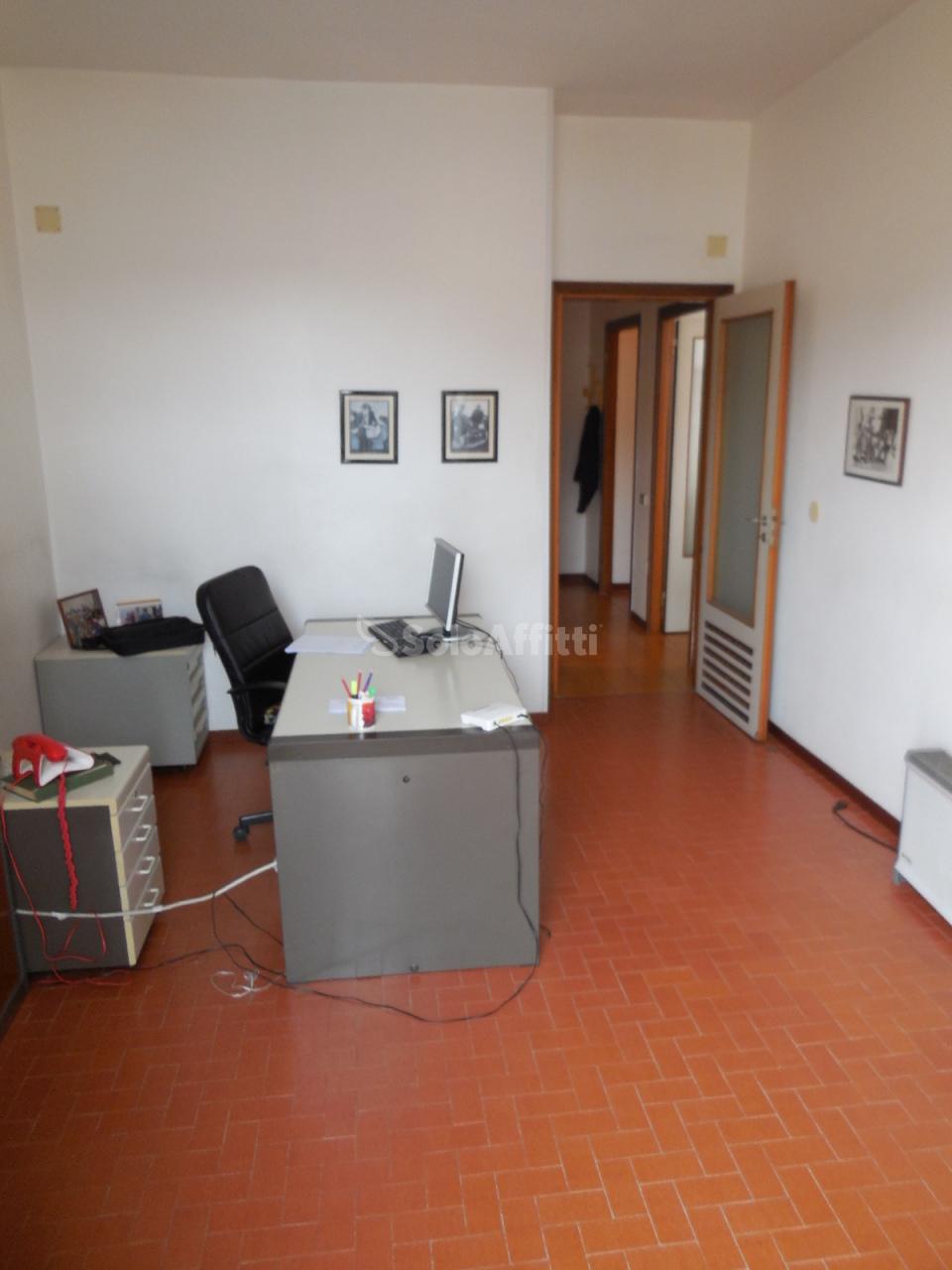 Ufficio - 2 locali a Mercato, Napoli Rif. 10499233
