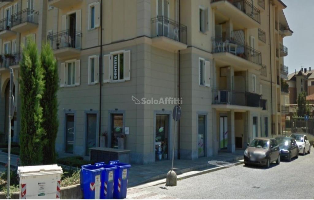 Fondo/negozio - 5 vetrine/luci a Ospedale, Chieri Rif. 10306184