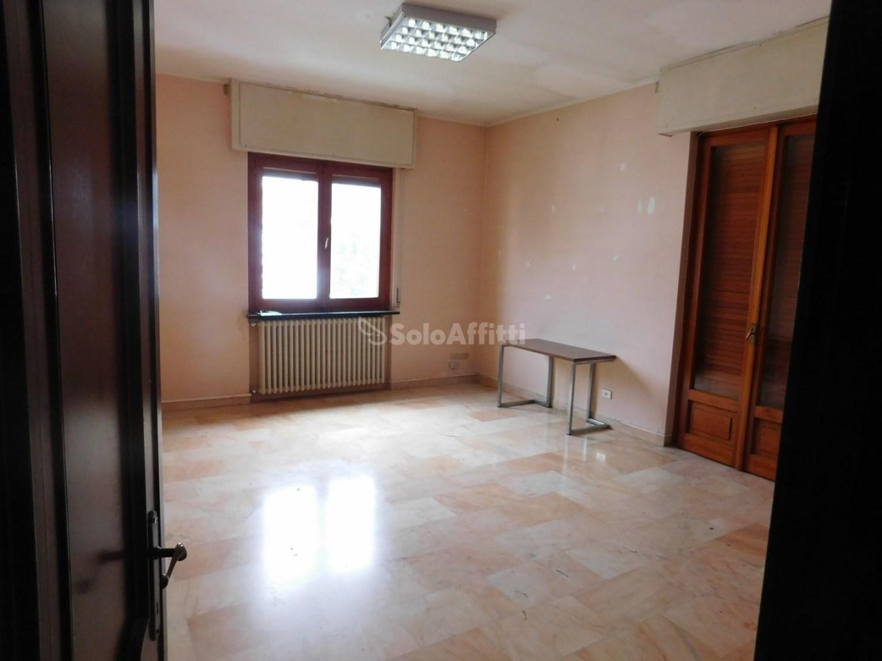 Appartamento in affitto a Millesimo, 6 locali, prezzo € 500 | PortaleAgenzieImmobiliari.it