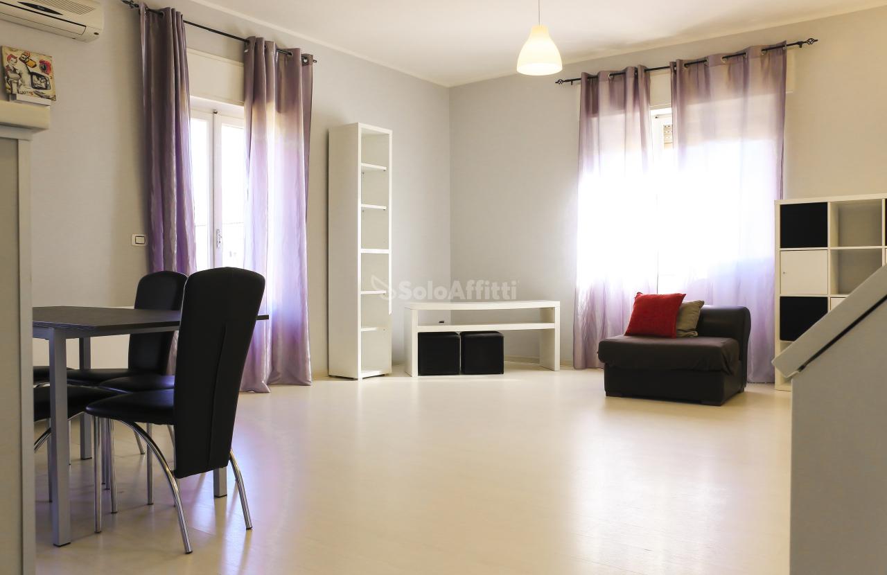 Bilocale in buone condizioni arredato in affitto Rif. 8546485